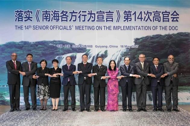 Высшие должностные лица стран АСЕАН и Китая обсудили вопрос выполнения DOC - ảnh 1
