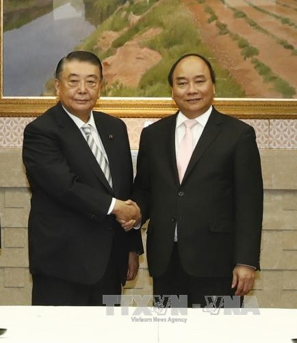 Нгуен Суан Фук встретился с председателем палаты представителей парламента Японии - ảnh 1