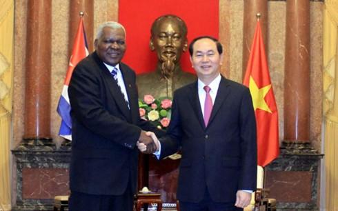 Президент Вьетнама Чан Дай Куанг принял спикера кубинского парламента - ảnh 1