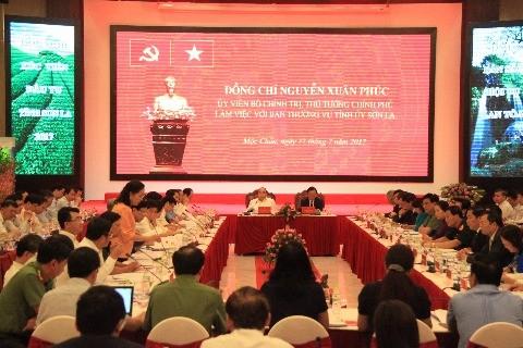 Нгуен Суан Фук провёл рабочую встречу с руководством провинции Шонла - ảnh 1
