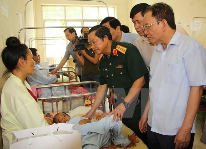 Зампредседателя Нацсобрания До Ба Ти навестил пострадавших от недавнего наводнения - ảnh 1