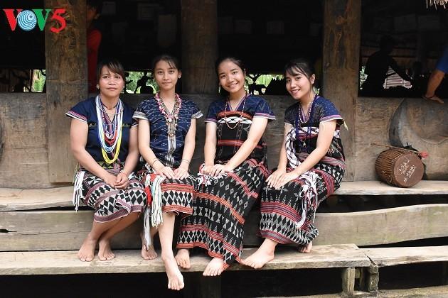 Дом на сваях «Гыол» в общине Ланг - ảnh 3
