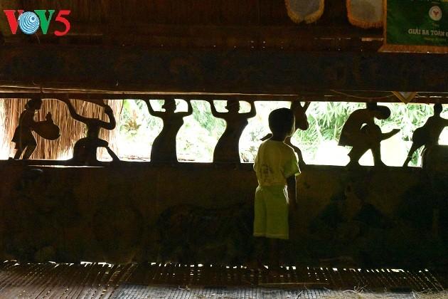 Дом на сваях «Гыол» в общине Ланг - ảnh 6