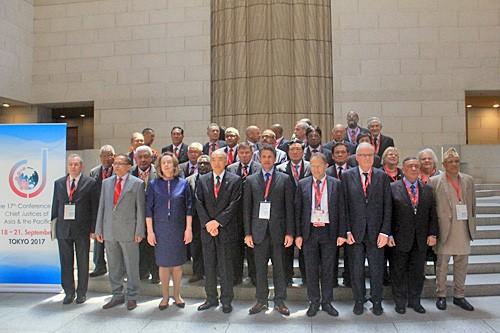 Вьетнам принял участие в конференции глав верховных судов стран АТР - ảnh 1