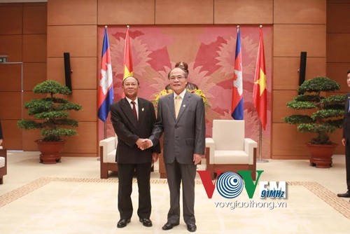 Vietnamese National Assembly Chairman meets President of the Cambodian National Assembly  - ảnh 1