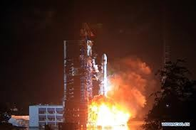 China launches first mobile telecom satellite  - ảnh 1