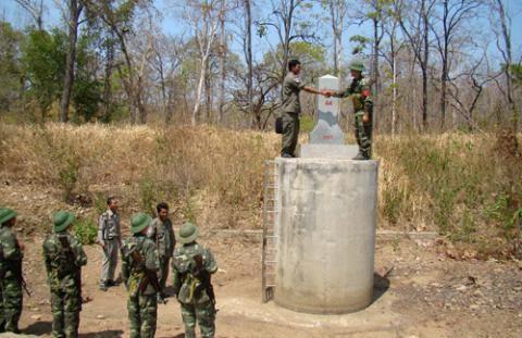 ผู้ว่าการจ.ว.สวายเรียงคัดค้านส.ส.พรรคฝ่ายค้านไปยังชายแดนติดกับเวียดนาม  - ảnh 1