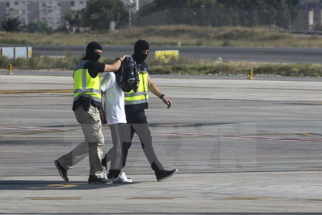 อิตาลีและสเปนจับกุมตัวผู้ต้องสงสัยที่เกี่ยวข้องกับกลุ่มไอเอส - ảnh 1