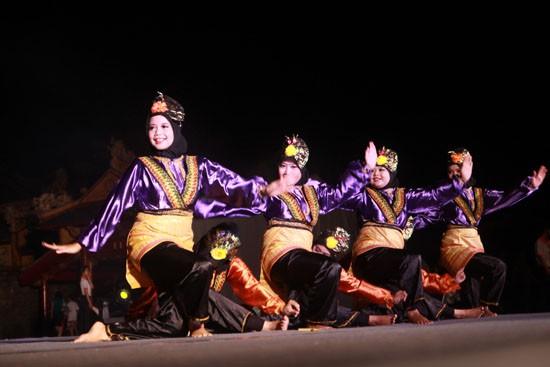 ชุดฟ้อนรำต่างๆของประเทศอาเซียน - ảnh 8