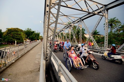 สะพานที่มีอายุนับร้อยปีในเวียดนาม - ảnh 9