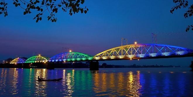 สะพานที่มีอายุนับร้อยปีในเวียดนาม - ảnh 11