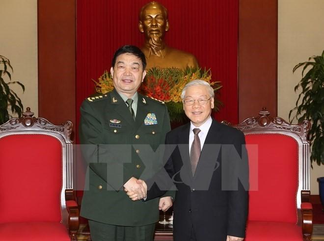 เลขาธิการใหญ่พรรคเหงวียนฟู้จ๋องให้การต้อนรับรัฐมนตรีว่าการกระทรวงกลาโหมจีน - ảnh 1