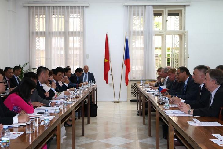 การประชุมครั้งที่๕ของคณะกรรมการร่วมรัฐบาลเวียดนาม-สาธารณรัฐเช็ก  - ảnh 1