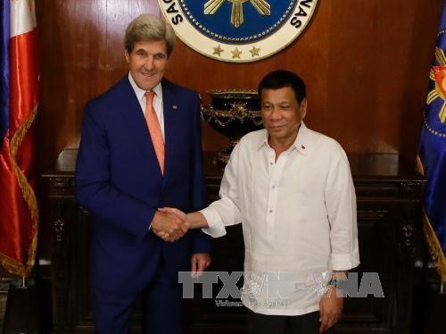 ประธานาธิบดีฟิลิปปินส์:คำวินิจฉัยของศาลอนุญาโตตุลาการเป็นพื้นฐานให้แก่การเจรจากับจีน - ảnh 1
