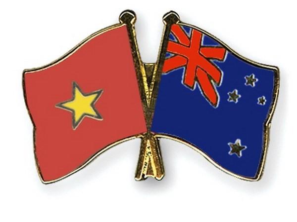 เสนาธิการใหญ่กองทัพประชาชนเวียดนามให้การต้อนรับผู้บัญชาการทหารบกนิวซีแลนด์ - ảnh 1