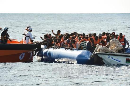 ผู้อพยพเกือบ๑๐๐คนสูญหายจากเหตุเรือขนส่งผู้อพยพอัปปาง - ảnh 1