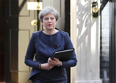 การเลือกตั้งทั่วไปก่อนกำหนดในอังกฤษ การตัดสินใจที่ถูกจังหวะของนายกรัฐมนตรี เทเรซา เมย์ - ảnh 1
