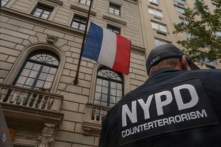 สถานกงสุลใหญ่ของฝรั่งเศสในนครนิวยอร์กต้องอพยพ - ảnh 1