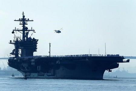 สหรัฐและญี่ปุ่นจัดการซ้อมรบร่วมในเขตทะเลทางทิศตะวันตกของมหาสมุทรแปซิฟิก - ảnh 1