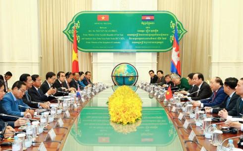 การเจรจาระดับสูงระหว่างเวียดนามกับกัมพูชา - ảnh 1