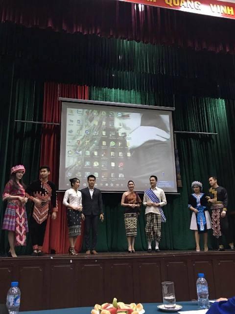 การประกวดความรู้เกี่ยวกับวัฒนธรรมลาว-สะพานเชื่อมระหว่างนักศึกษาเวียดนามกับลาว - ảnh 2