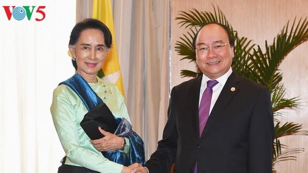 นายกรัฐมนตรีเวียดนามเข้าร่วมการประชุมผู้นำอาเซียนครั้งที่30 ณ ประเทศฟิลิปปินส์ - ảnh 2