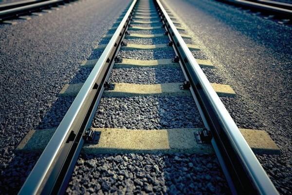 อิสราเอลผลักดันแผนการก่อสร้างเส้นทางรถไฟที่เชื่อมภูมิภาคตะวันออกกลาง - ảnh 1
