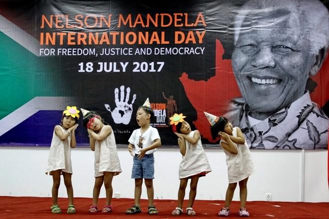 สถานกงสุลใหญ่แอฟริกาใต้ประจำนครโฮจิมินห์จัดงานวันเนลสัน แมนเดลาสากล - ảnh 1