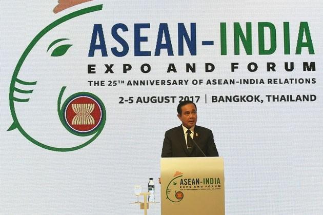 เวียดนามเข้าร่วมฟอรั่มและงานนิทรรศการอาเซียน-อินเดียปี2017ในประเทศไทย - ảnh 1