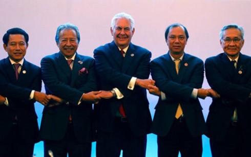 อาเซียนเรียกร้องให้ฝ่ายต่างๆต้องใช้ความอดกลั้นเกี่ยวกับปัญหาทะเลตะวันออก - ảnh 1