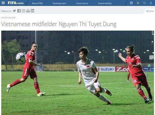 นักเตะหญิงเวียดนามได้รับการยกย่องบนเว็บไซต์ของ FIFA - ảnh 1