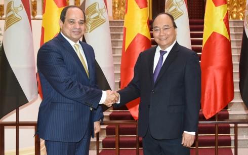 อียิปต์มีความประสงค์ที่จะขยายความร่วมมือกับเวียดนามในหลายด้าน - ảnh 1
