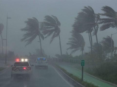 พายุ Irma สร้างความเสียหายอย่างหนักต่อหมู่เกาะต่างๆของสหรัฐ - ảnh 1