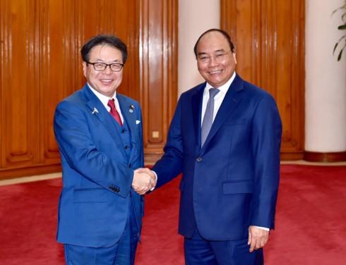 รัฐบาลเวียดนามให้การสนับสนุนนักลงทุนญี่ปุ่นที่เข้ามาลงทุนในเวียดนาม - ảnh 1