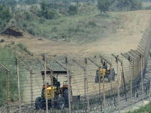 อินเดียกล่าวหาปากีสถานละเมิดข้อตกลงหยุดยิงในแคว้นแคชเมียร์ - ảnh 1