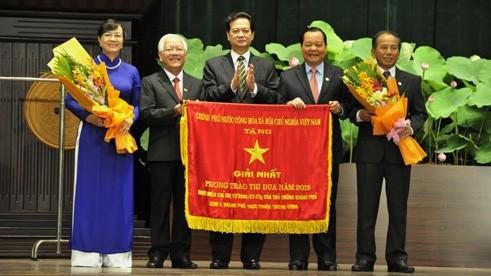 รำลึก65ปีวันประธานโฮจิมินห์ประกาศเรียกร้องทำการแข่งขันรักชาติ - ảnh 1