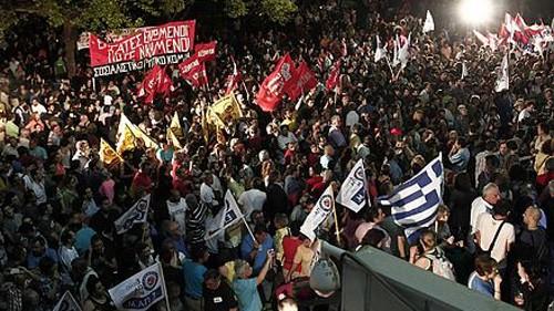 กรีซกำลังเผชิญกับวิกฤตการเมืองครั้งใหม่ - ảnh 1