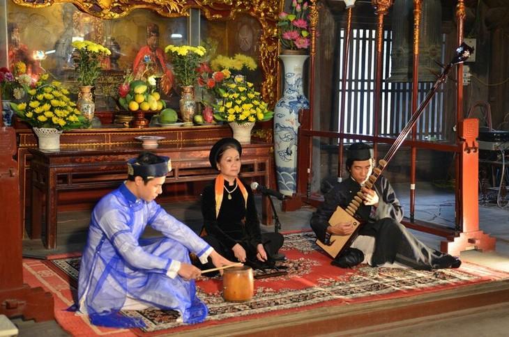 มิตรชาวไทยกับศิลปะการร้องเพลงพื้นเมืองกาจู่เวียดนาม - ảnh 1