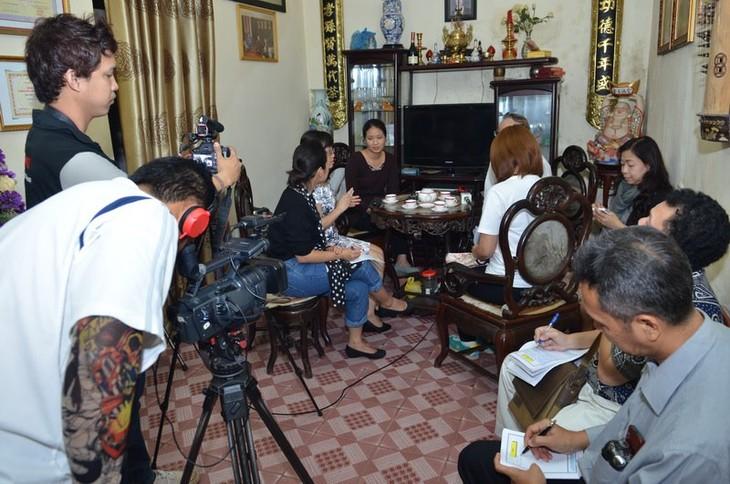 มิตรชาวไทยกับศิลปะการร้องเพลงพื้นเมืองกาจู่เวียดนาม - ảnh 3