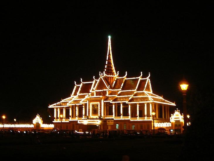 เวียดนามเป็นชาติที่มีนักท่องเที่ยวเดินทางไปเที่ยวกัมพูชามากที่สุด - ảnh 1