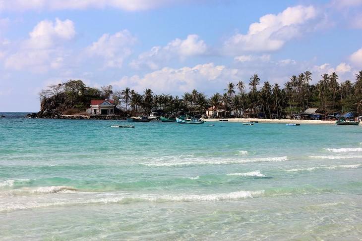 มาสัมผัสกับความสวยงามของหมู่เกาะนามยูในจังหวัดเกียนยาง - ảnh 3