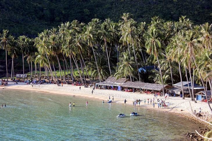 มาสัมผัสกับความสวยงามของหมู่เกาะนามยูในจังหวัดเกียนยาง - ảnh 2