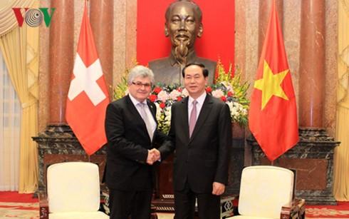 เวียดนาม-สวิตเซอร์แลนด์ผลักดันความสัมพันธ์ทวิภาคี - ảnh 1