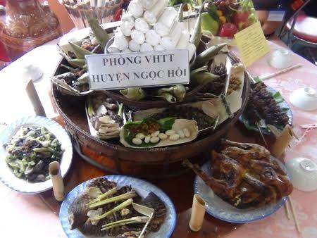 อาหารพื้นเมืองของชนเผ่าแหยเจียง - ảnh 1