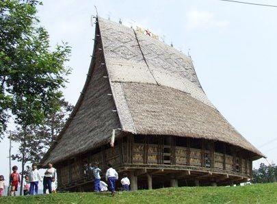เอกลักษณ์บ้านโรงของชาวเซอดัง - ảnh 2