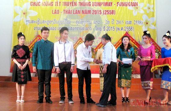 ครอบครัวพิเศษแห่งสัมพันธไมตรีเวียดนาม-ลาว - ảnh 2