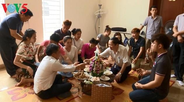 ครอบครัวพิเศษแห่งสัมพันธไมตรีเวียดนาม-ลาว - ảnh 1