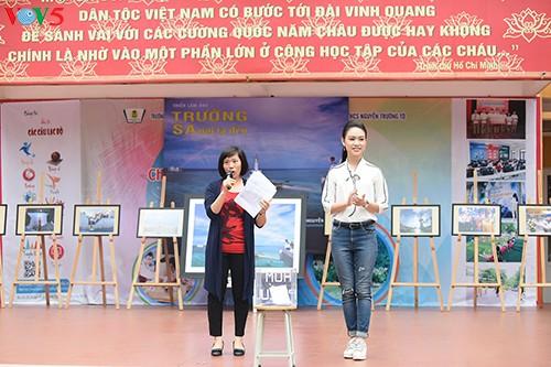 Người đẹp Truyền thông Ngọc Vân về trường cũ kêu gọi gây quỹ 'Vì Trường Sa' - ảnh 1