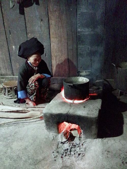 Очаг в культурной жизни группы народности Зяо Кхау - ảnh 3