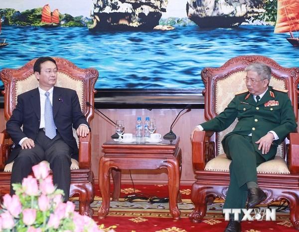 Замминистра обороны Вьетнама принял делегацию комитета по безопасности нижней палаты Японии - ảnh 1